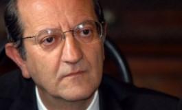 Di ROBERTO CAPUTO <br><br>La lenta agonia del Gentiloni I mentre Berlusconi gioca a fare il grande vecchio