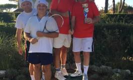 <H4>Compagnia di Babbo Natale e Cavalieri di Sant'Appiano: tennis, goliardia e solidarietà per promuovere le due associazioni</H4>