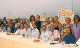 Da un quarto di secolo 'A tavola sulla spiaggia' crea il menu dell'estate