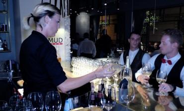 Nota casa di Champagne sceglie locale vip di Pietrasanta per lanciare il suo nuovo prodotto
