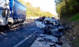 Incidente mortale in un frontale fra un'auto e un mezzo pesante sulla Palio