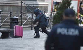 Allarme bomba in p.zza Duomo per una valigia abbandonata. Fatta brillare dopo evacuazione cattedrale e negozi
