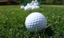 Golf al piazzale Michelangelo per cimentarsi gratuitamente con ferri, palline e buche