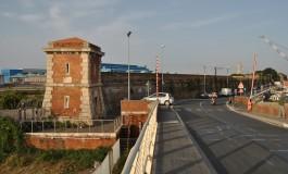 Mistero per il ritrovamento di una Smart piena di esplosivo a Livorno. Fermato un livornese