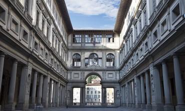 Galleria degli Uffizi presa come orinatoio. Multe salate a una danese e a un tunisino