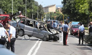 Morte cerebrale per giovane, fermo al semaforo, colpito da un'auto per l'inseguimento fra auto di ROM