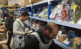Sequestrati oltre 60.000 auricolari e 32.000 borse contraffatte. 18.300 prodotti senza marchio CE