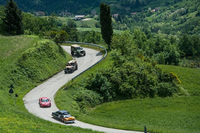 Arriva in Toscana la Crazyrun, la corsa più pazza a bordo delle supercar