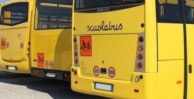 Bambino di tre anni abbandonato per 6 ore in un pulmino Scuolabus